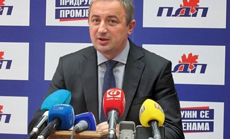 Borenović za Direkt: Rogan će biti isključen iz PDP-a ako podrži SNSD