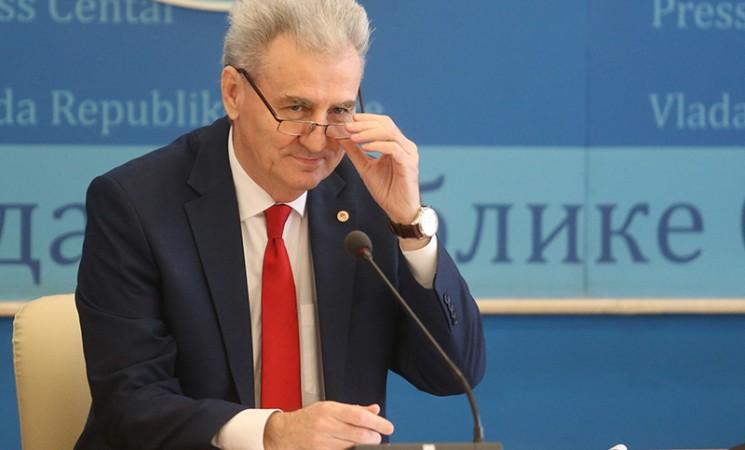 Novac za odabrane: Lični i partijski kriterijumi ministra Milenka Savanovića