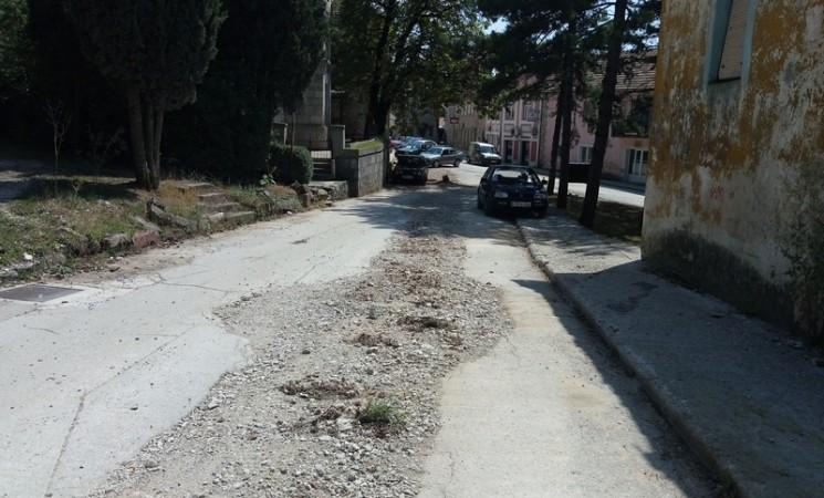 Bilećani negoduju: Raskopane ulice, a radovima se ne nazire kraj
