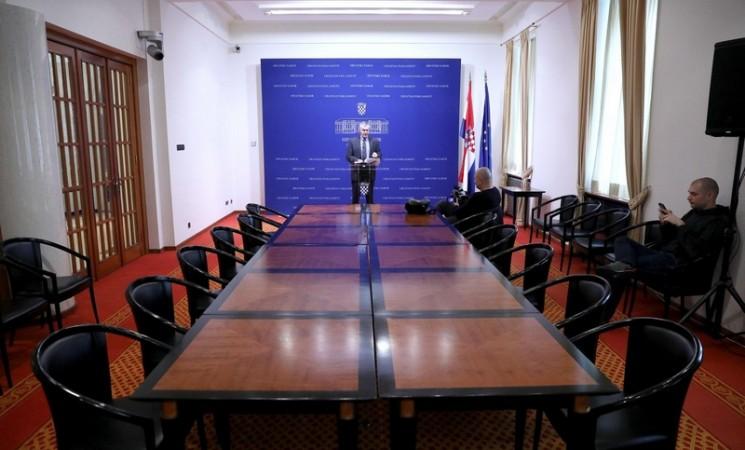 Nakon uvreda novinari bojkotovali konferenciju Željka Glasnovića