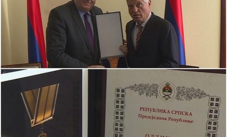 Orden Dodika direktno za Lazanskog