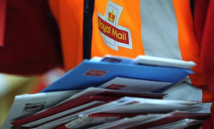 Dečak poslao tati pismo u raj, britanska pošta oduševila odgovorom