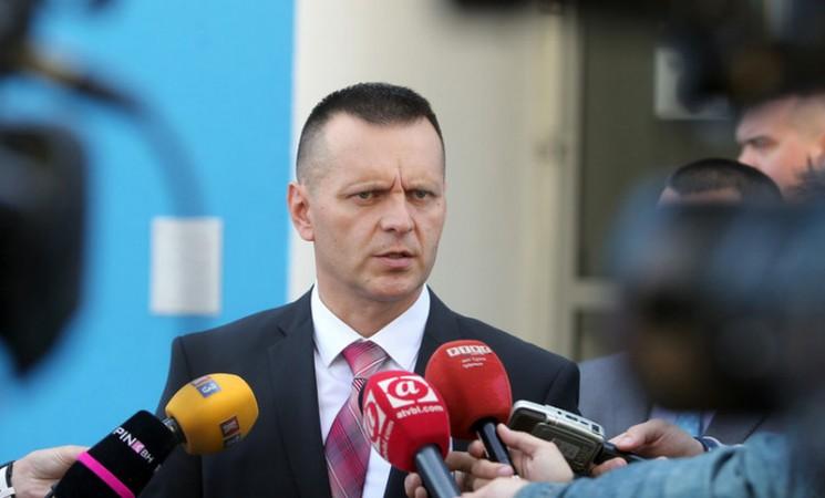 Lukač krivotvorio podatke o stažu kandidata za direktora SIPA