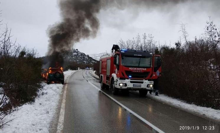 Trebinje: Zapalili automobil i pobjegli