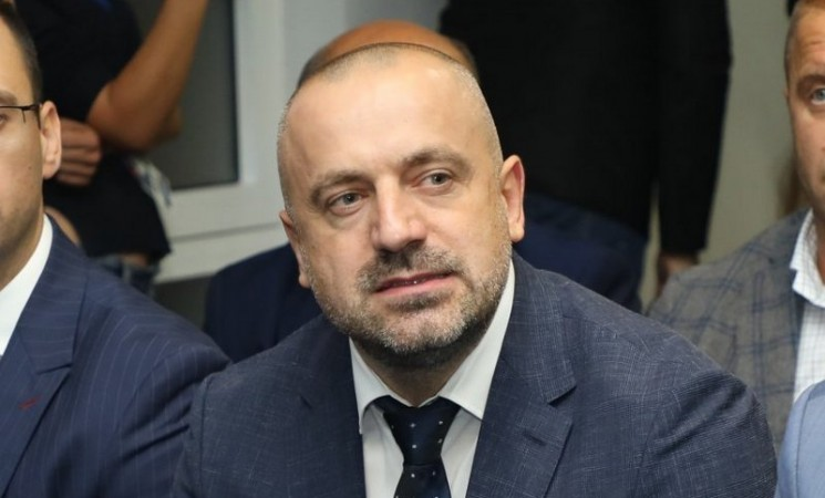 Batinaši Milana Radojičića na referendumu u Tesliću?