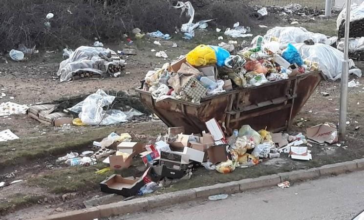 """Radnici bilećkog """"Komusa"""" prekinuli štrajk"""