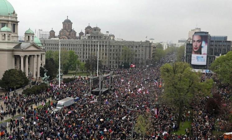 """U Beogradu protest """"Svi kao jedan - 1 od 5 miliona"""""""