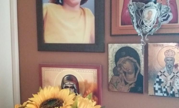 """Pismo Aleksine majke na godišnjicu njegove smrti:""""Ja sam još uvek živa samo da ti javim. Kuca srce, ušivam ga debelim koncem…"""""""