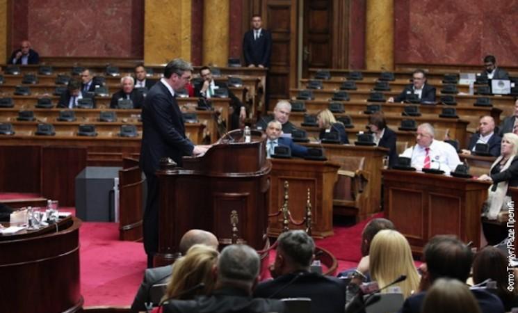 Vučić u Skupštini: Srbija nema vlast na Kosovu, prestati sa obmanjivanjem javnosti