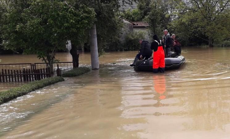 Prijedorski vatrogasci: Ne iskaljujte bes na nama
