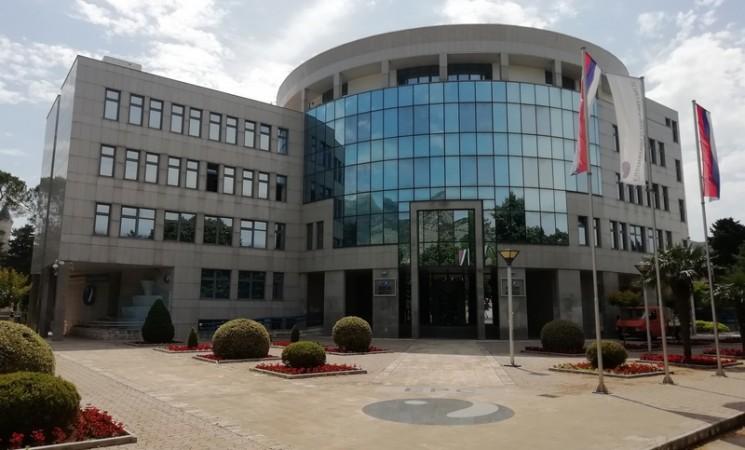 Uprava ERS-a za pregovore sa sindikatom angažovala armiju advokata