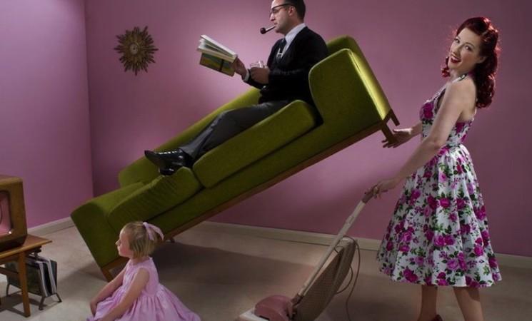 Nema više žena koje čiste dok muškarci sede prekrštenih nogu – makar u reklamama u Velikoj Britaniji