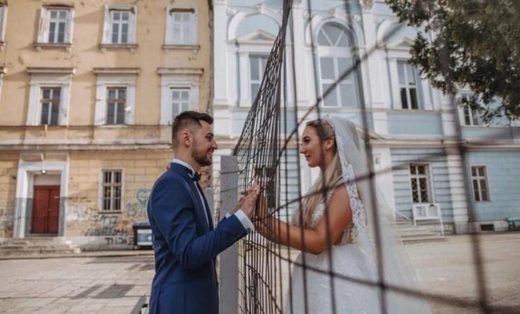 Bh. ljubavna priča oduševila javnost: Učite djecu koja neće vjerovati da je ograda zaštitna