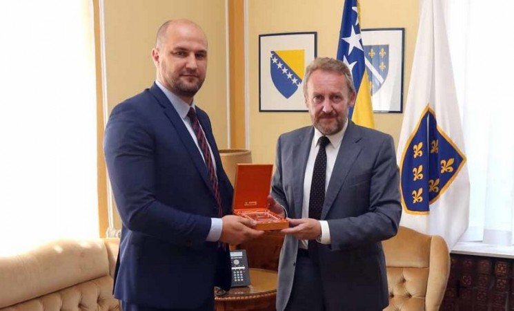 Niz afera SDA-ovog direktora BH Pošte: Je li Mirsad Mujić amnestiran od strane Tužilaštva KS?