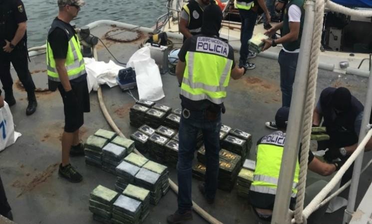 Paketi kokaina s likom Gavrila Principa - Srbi u svetskom narko biznisu