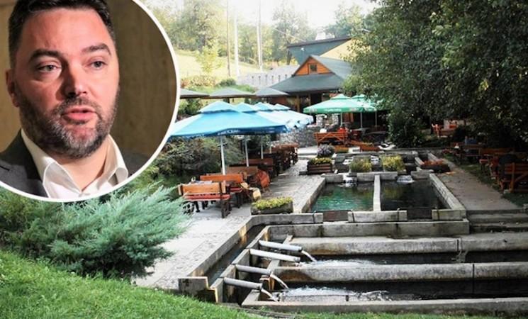 Košarac na hranu i piće potrošio oko 28.000 KM naših para u restoranu u kojem se prodaje njegova rakija!