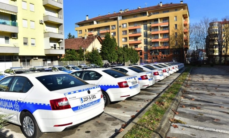 """MUP RS iznajmljuje 102 vozila od """"Porše lizinga"""""""