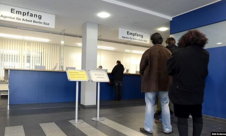 Iz BiH otišla gotovo polovina ljudi, 'neće da budu taoci politike'