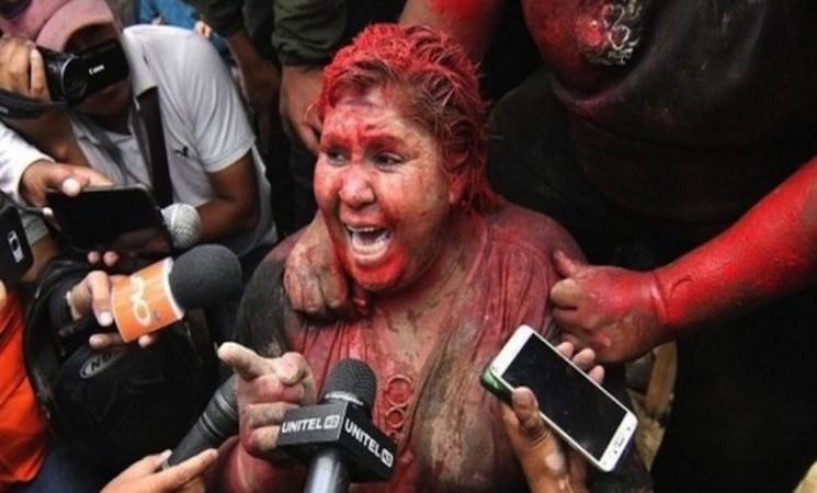 Gradonačelnicu u Boliviji nezadovoljni građani na silu ošišali i ofarbali