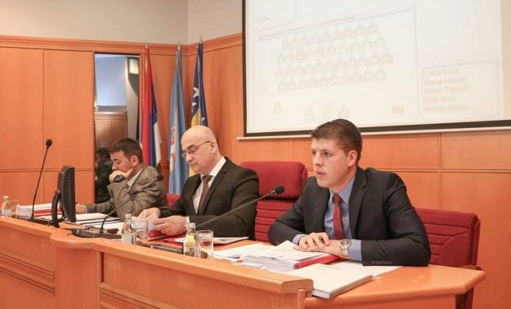 Građani plaćaju politička prepucavanja - Ko je višak u trebinjskoj Skupštini?