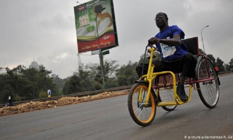 Električna invalidska kolica napravljena od otpada