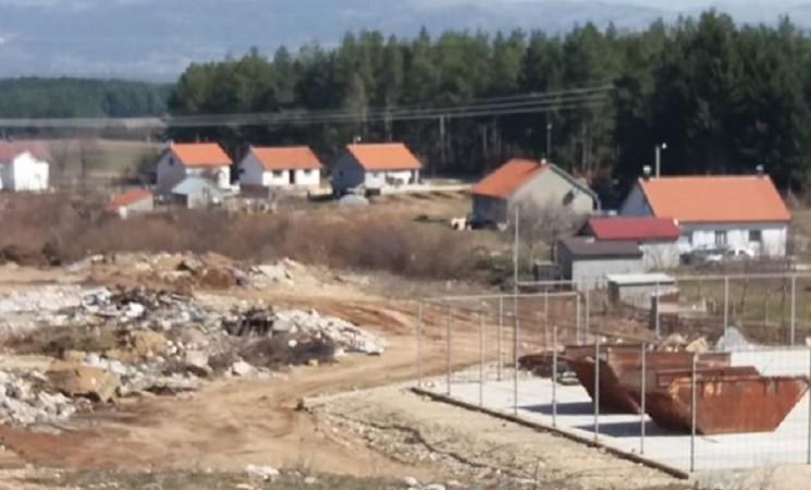 Mještani Tople ulice u Nevesinju: Od smeća ne možemo da živimo