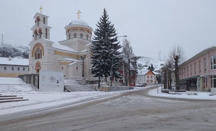 Zima na proljeće: Snijeg prekrio Hercegovinu