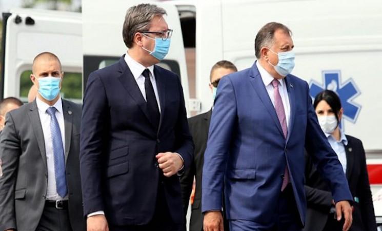Dodik samo kopira Vučića