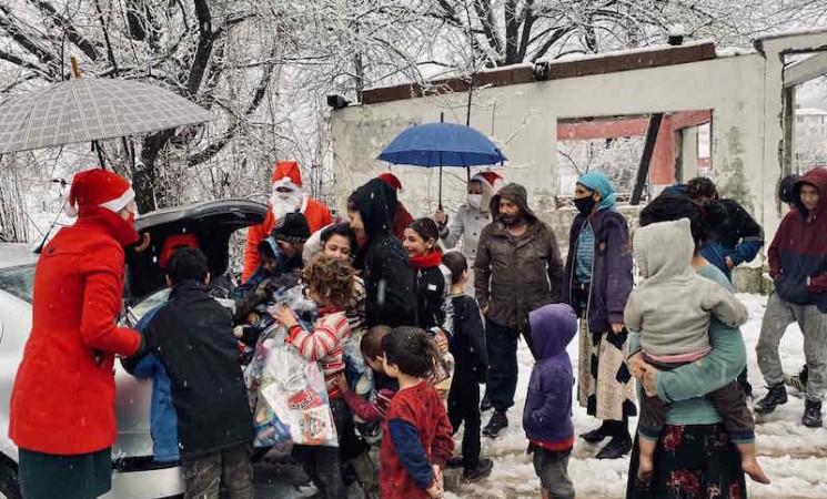 """Deda Mraz po prvi put među mališanima iz """"Dekorative"""" (Foto)"""