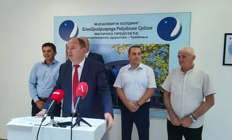 Konfederacija sindikata: Luka Petrović ne zna da računa
