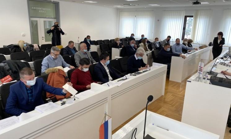 SO Bileća: Opština u velikim dugovima, rješenje otpuštanje viška zaposlenih