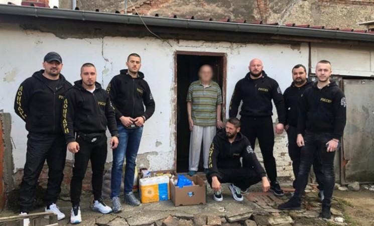 Proruska uniformisana grupa kod Brčkog pod okriljem humanitarne organizacije